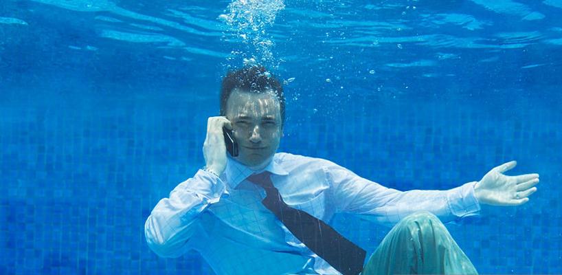 تماس زیر آب
